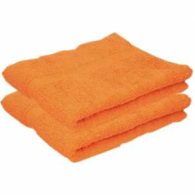 2x badkamer douche handdoeken oranje 50 x 90 cm