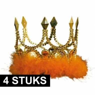 4x gouden kronen met oranje veren
