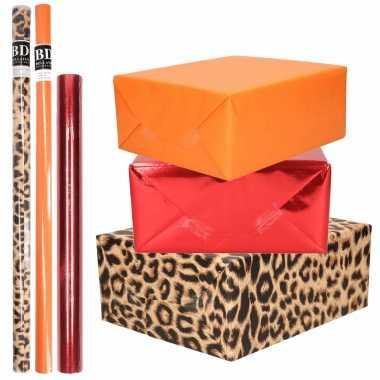 6x rollen kraft inpakpapier pakket dierenprint/metallic rood en oranje 200 x 70/50 cm