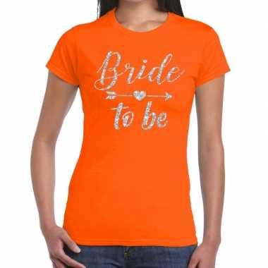 Bride to be zilveren letters fun t-shirt oranje voor dames
