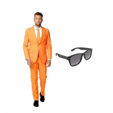 Carnavalskostuum oranje heren pak 48 (m) met gratis zonnebril