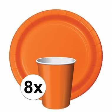 Feest decoratie pakket oranje 8 bekertjes en bordjes