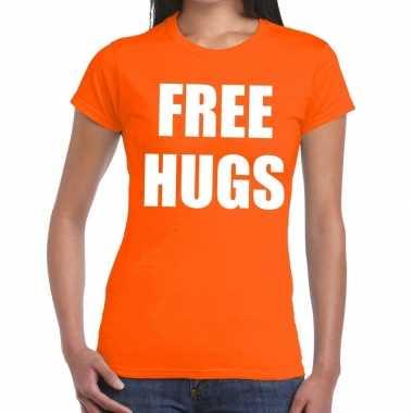 Free hugs fun t-shirt oranje voor dames