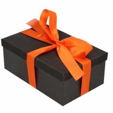 Kado doosje zwart 19 cm rechthoek en oranje cadeaulint