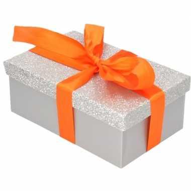 Kado doosjes zilver glitter 15 cm rechthoek en oranje kadolint