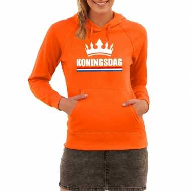 Oranje koningsdag met een kroon hooded sweater dames