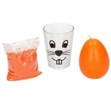Oranje pasen decoratie zand en kaarsje in glas 11 cm