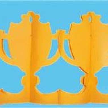 Oranje supporters slinger bekers