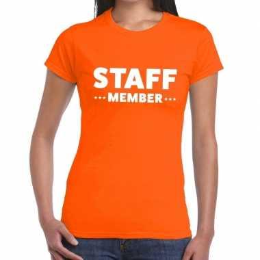 Personeel t-shirt oranje met staff member bedrukking voor dames
