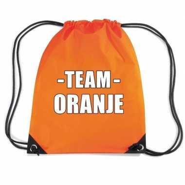 Team oranje rugtas voor sportdag