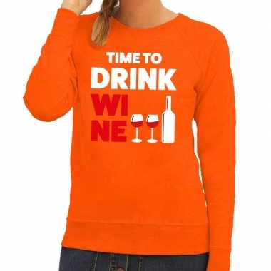 Time to drink wine fun sweater oranje voor dames