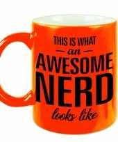 Awesome nerd slimmerik cadeau mok verjaardag beker fluor oranje 330 ml