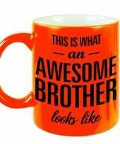 Fluor oranje awesome brother cadeau mok beker voor je broer 330 ml